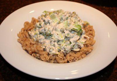 Pasta met romige saus met tonijn en doperwten; recept; recepten; hoofdgerecht; hoofdgerechten; pasta; macaroni; tonijn; doperwten; roomkaas; monchou