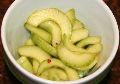 Thaise salade met komkommer en limoen; recept; recepten; bijgerecht; bijgerechten; Thais; komkommer; limoen; vissaus