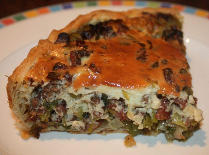 Hartige taart met prei en gehakt; recept; recepten; hoofdgerecht; hoofdgerechten; hartige taart; quiche; preitaart; prei; gehakt; oven