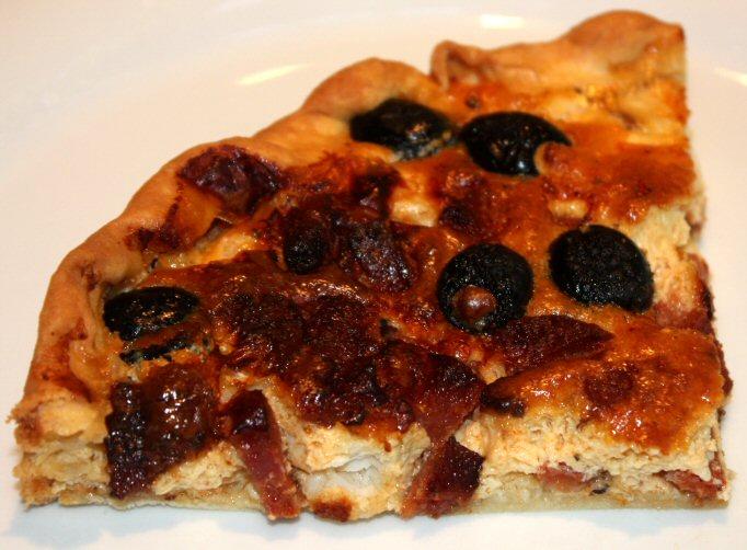 Hartige taart met kabeljauw en chorizo; recept; recepten; hoofdgerecht; hoofdgerechten; hartige taart; quiche; kabeljauw; chorizo; olijven; olijf