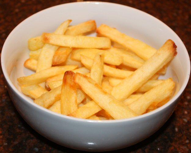 Zelfgemaakte patat; recept; recepten; bijgerecht; bijgerechten; patat; friet; frites