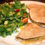 Quesadillas met guacamole en kaas