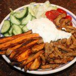 Shoarma bowl met zoete aardappel frites
