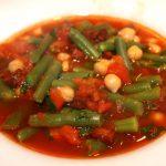 Tomaten maaltijdsoep met kikkererwten en chorizo