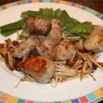 Varkenshaas met shiitakes en taugé