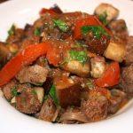 Stoofschotel met lamsvlees en aubergine; recept; recepten; hoofdgerecht; hoofdgerechten; lamsvlees; lamsbout; aubergine; stoofschotel; arabisch; mediterraan