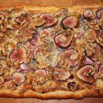 Plaattaart met gorgonzola en vijgen