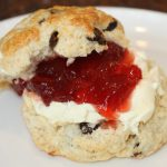 Scones; recept; recepten; ontbijt; ontbijtgerecht; brunch; brunchgerecht; high tea; clotted cream; jam; aardbeienjam; scone; oven;
