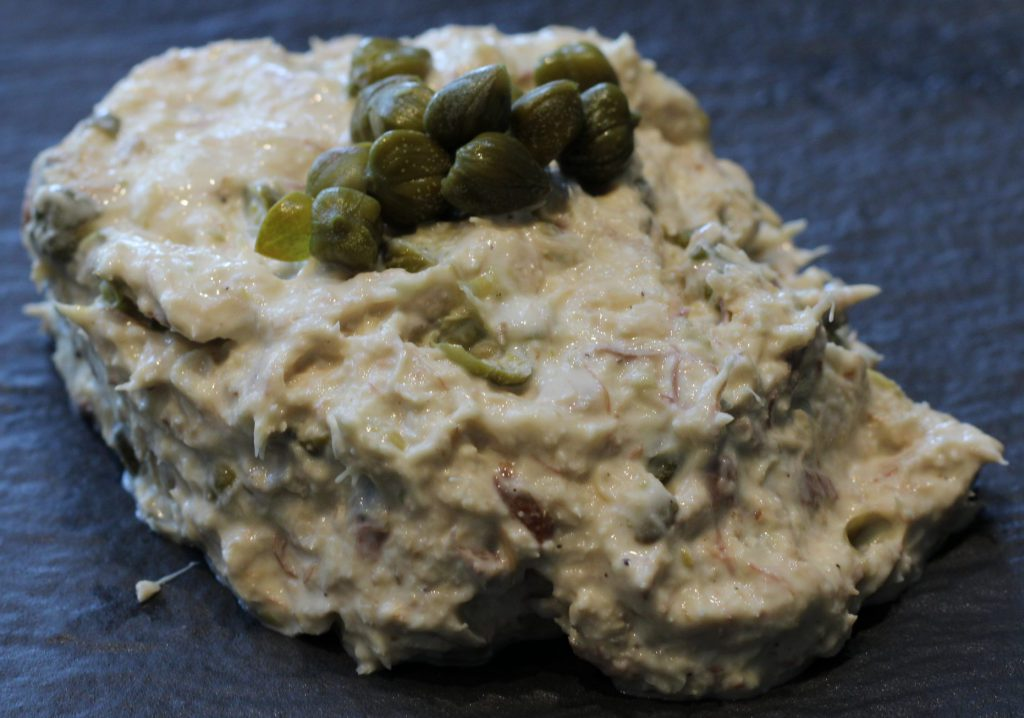 Makreelsalade met kappertjes en mierikswortel; recept; recepten; lunch; lunchgerecht; salade; makreel; vis; kappertjes; mierikswortel;