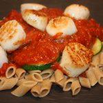 Pasta met coquilles en tomatensaus