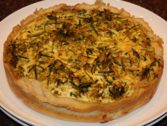 Hartige taart met makreel en prei; recept; recepten; hoofdgerecht; hoofdgerechten; hartige taart; quiche; makreel; vis; prei; kaas; oven; ovenschotel;
