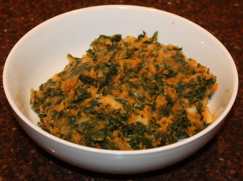 Boerenkoolstamppot met zoete aardappel en pastinaak; recept; recepten; bijgerecht; bijgerechten; stamppot; boerenkool; zoete aardappel; pastinaak;