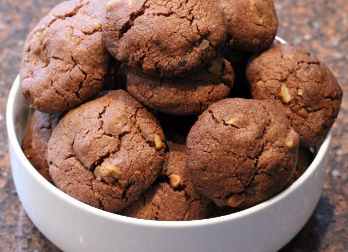Chocoladekoekjes met noten; recept; recepten; zoet; koek; koekjes; chocolade; walnoten; hazelnoten;