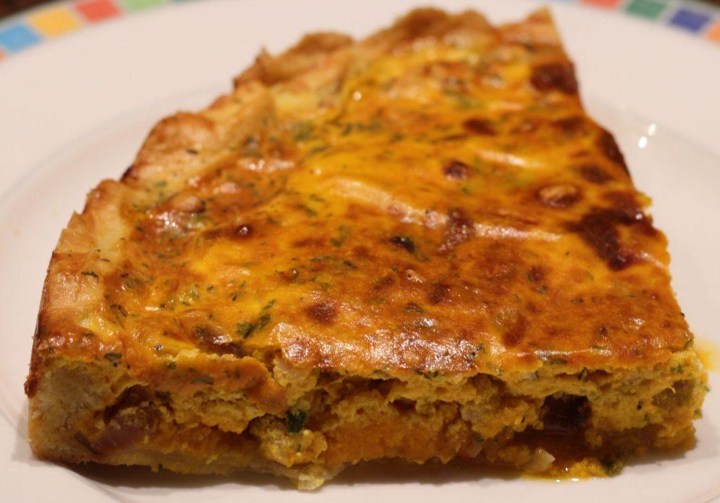 Hartige taart met pompoen en salie; recep; recepten; hoofdgerecht; hoofdgerechten; hartige taart; quiche; pompoen; salie; mascarpone; feta