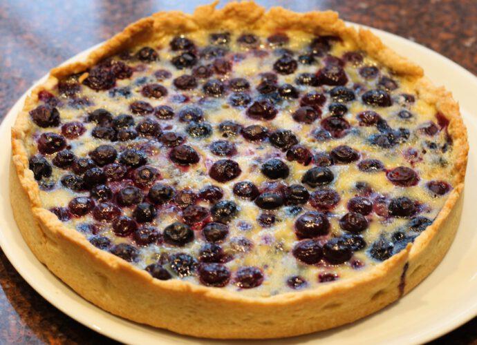 Blauwe bessen taart; recept; recepten; taart; Rick Stein; bosbessen; blauw bessen; slagroom